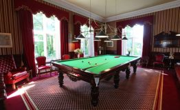 Hallfield-Hall-billiard-room
