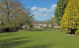 Rear-garden-to-house-resize