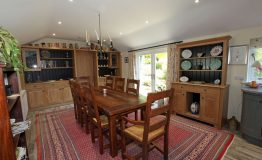 Field-House-Dining-Room-resize